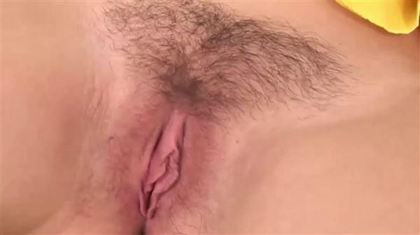 Babe fucks for creampie