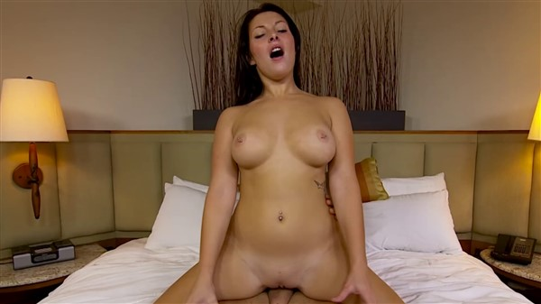 Babe fucks for creampie